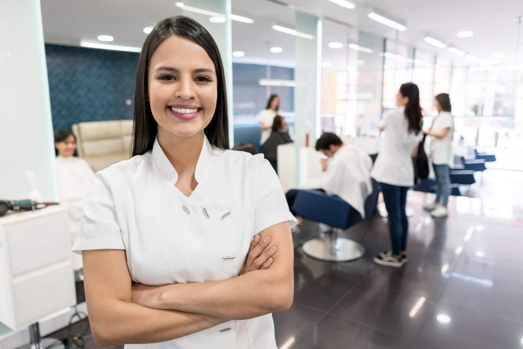 Treinamento de funcionários no salão de beleza: motivos para fazer